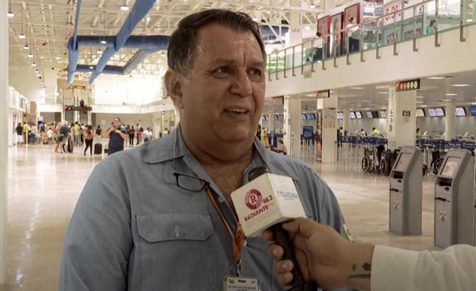Dr. Efrén Calderón