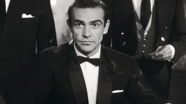 James Bond, interpretado por Sean Connery