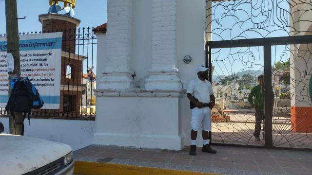 Operativo de vigilancia en Panteón
