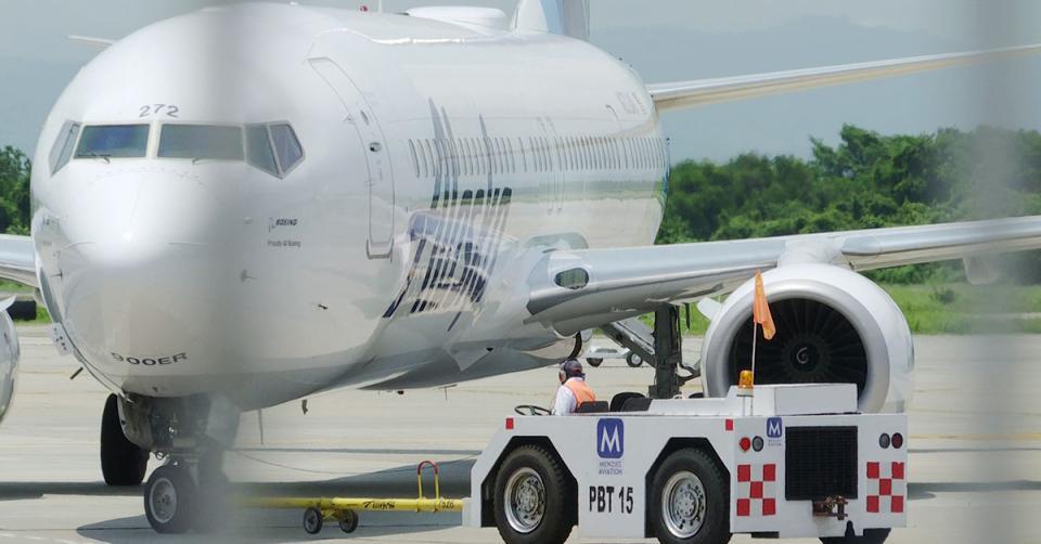 Avión en aeropuerto de Puerto Vallarta