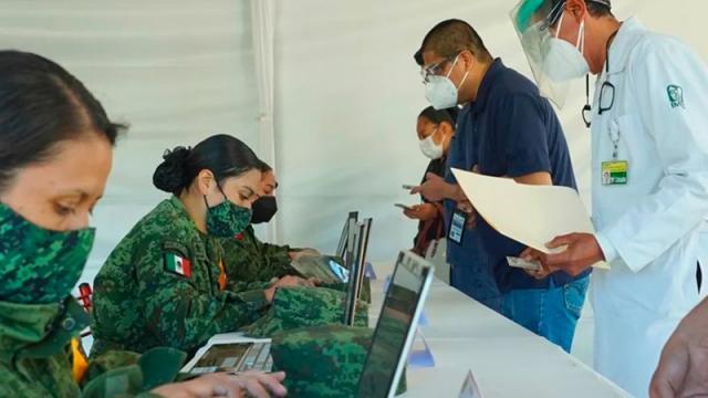 Más de 9 mil trabajadores de la salud han sido vacunados: Ssa