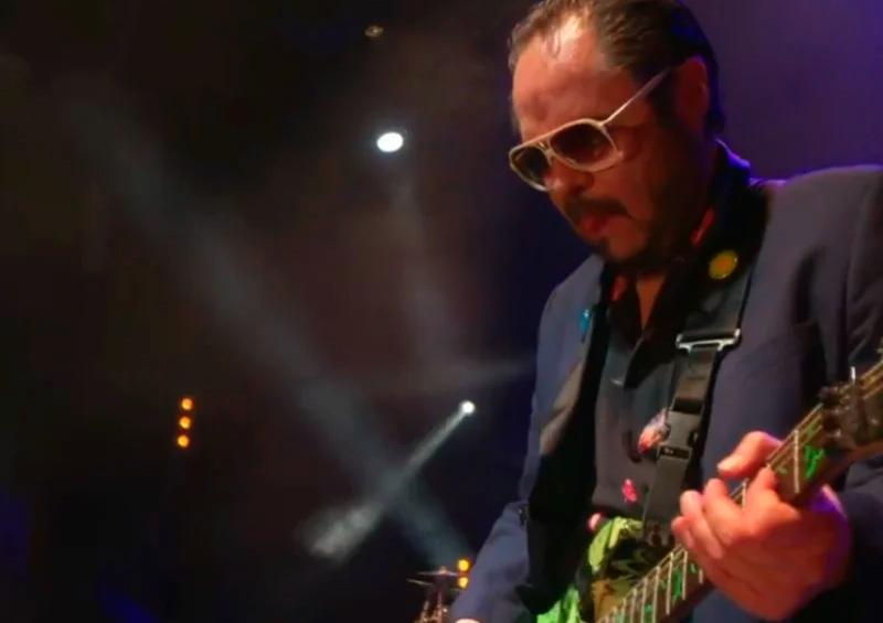Lino Nava sufre recaída de salud en concierto streaming de La Lupita