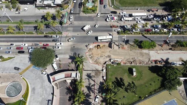 Avenida de ingreso a Puerto Vallarta