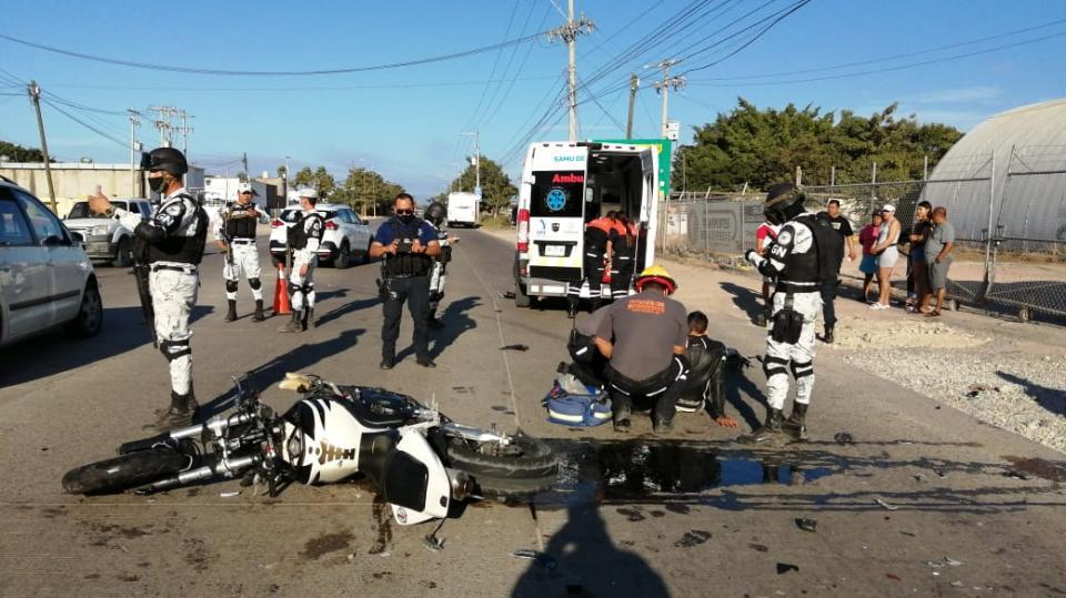 Accidente entre moto y auto sobre la 544