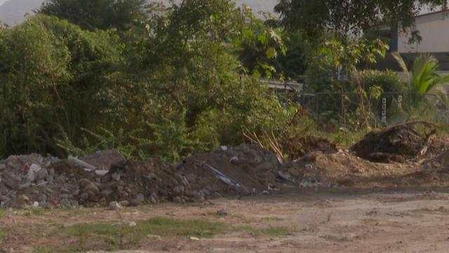 escombros en arroyos