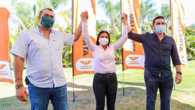 los precandidatos a la presidencia municipal de Vallarta, acordaron respaldar a Guadalupe Guerrero