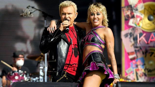 Miley Cyrus en el Super Bowl