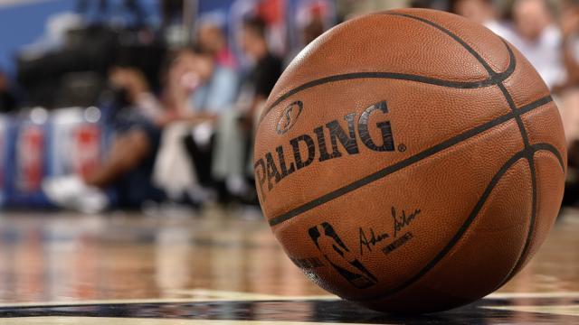 NBA confirma cancelación de partido por covid-19