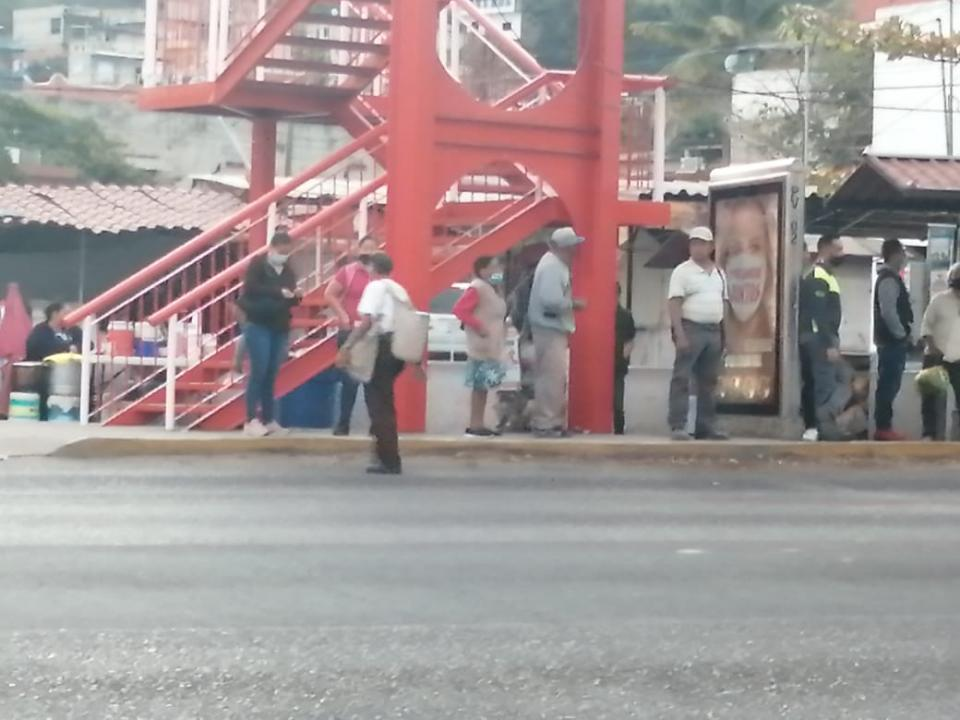 Puente peatonal en López Mateos