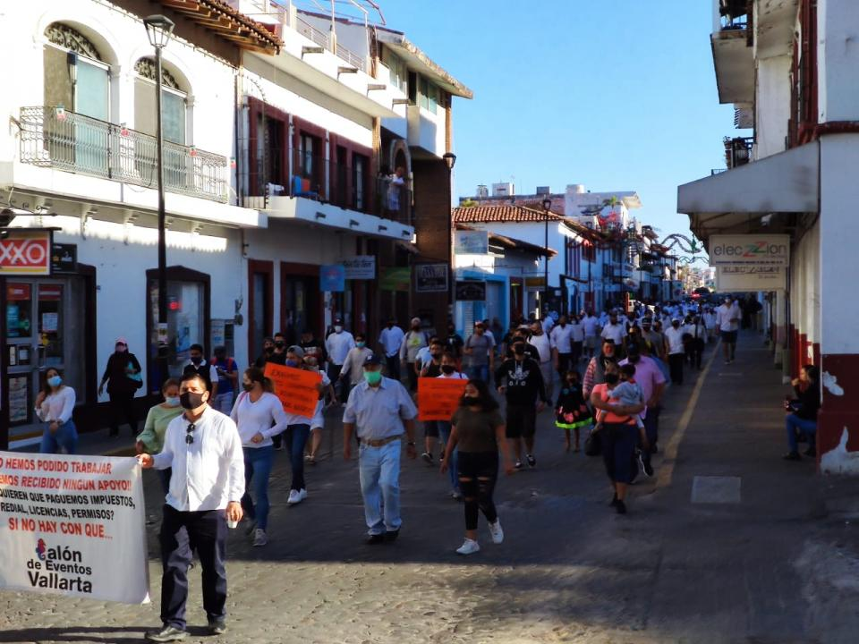 Manifestación de comerciantes de Puerto Vallarta