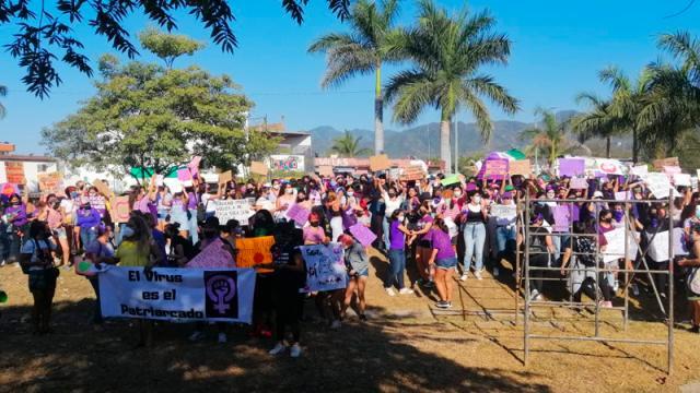 También las mujeres de Puerto Vallarta alzan la voz el 8 de marzo