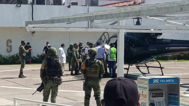 Benjamín, militar herido en Guayabitos sin atención médica digna