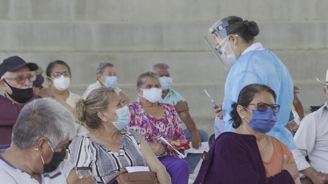 Vacunación en Tomatlán