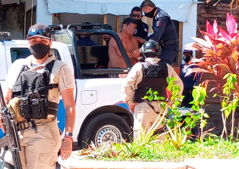 Por deuda de 3,700 pesos casi se matan en colonia Primero de Mayo