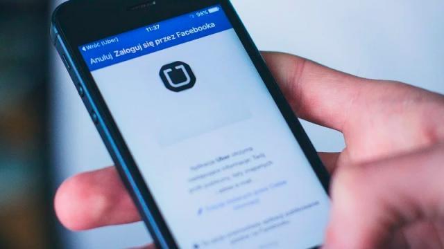 Multan a Uber por discriminación