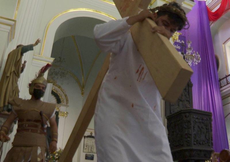 Vía Crucis a puerta cerrada en el Templo de Guadalupe