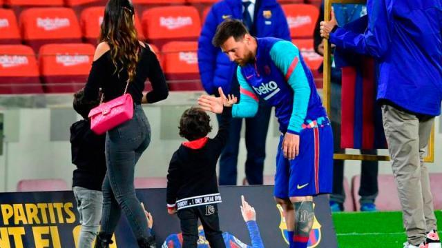 Messi homenajeado como el jugador con más partidos con el Barcelona