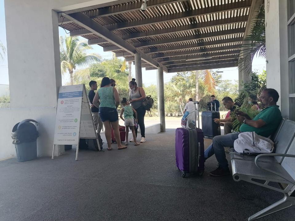 Regreso de turistas a sus casas