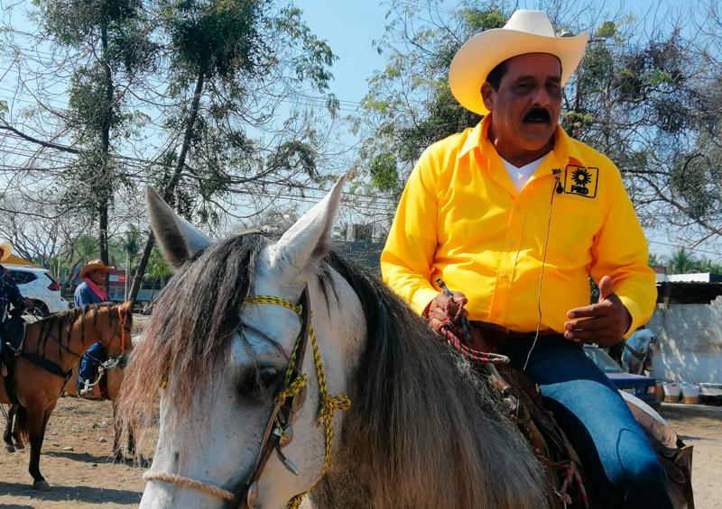 Con cabalgata inicia Otoniel Barragán su campaña por el PRD