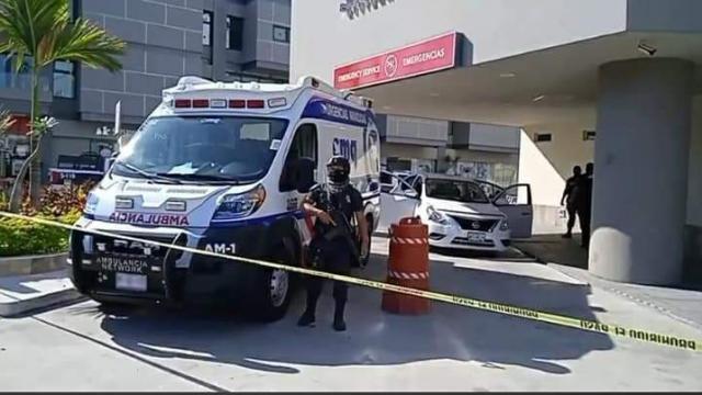 Policía resulta gravemente herido tras intento de asalto