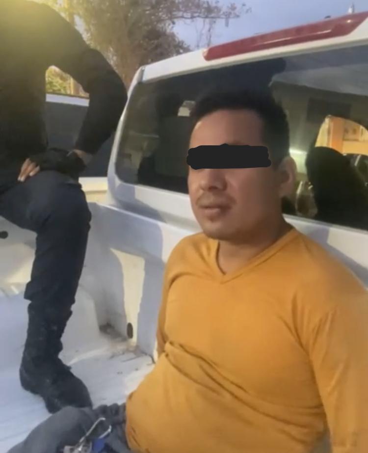 Candidato del PAN detenido en una patrulla