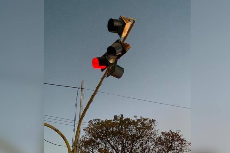 Choque en semáforo
