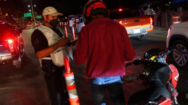 """Aplican operativo """"Salvando Vidas"""", en Vallarta"""