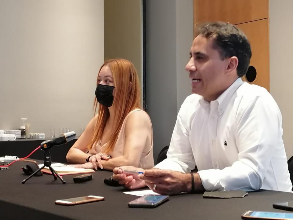 Coordinador del MC Jalisco en rueda de prensa