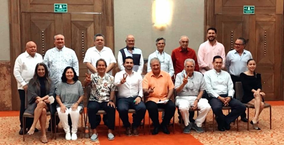 Empresarios se reúnen con Munguía