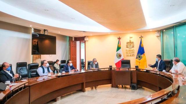 Revisan estrategia de vacunación para sistema educativo en Jalisco
