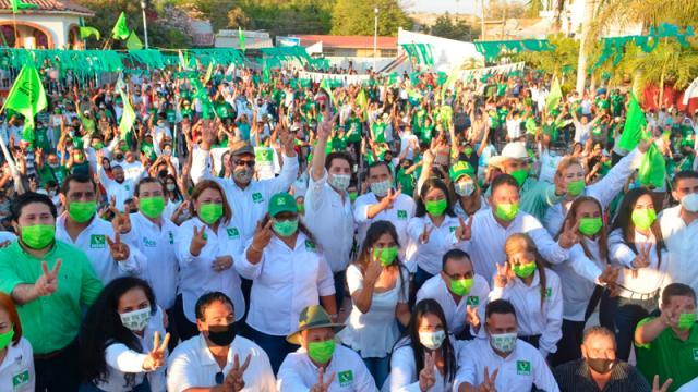 Aún sin Munguía, pintan de Verde las calles de Vallarta