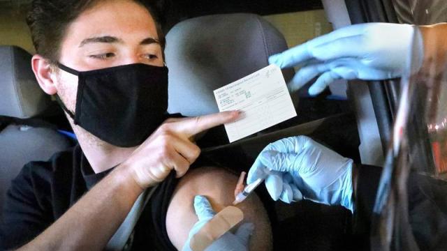 Casa Blanca descarta imposición de pasaporte de vacunación en EU