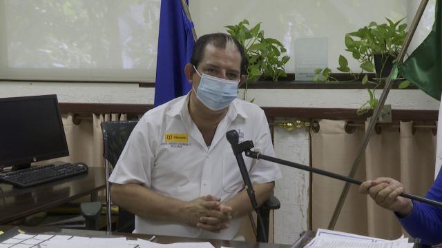 Maestros en Vallarta listos para vacuna y reabrir escuelas