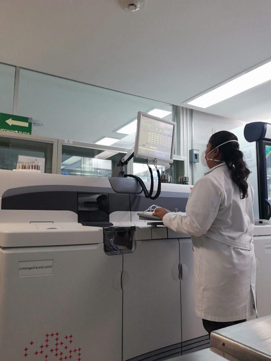 Me siento orgullosa de ser Técnica Laboratorista: Yesenia