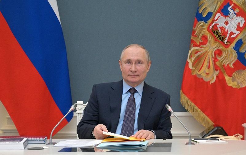 Vladimir Putin recibe segunda dosis de vacuna contra covid-19