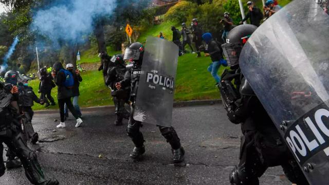 Trece días de protesta dejan 42 muertos en Colombia