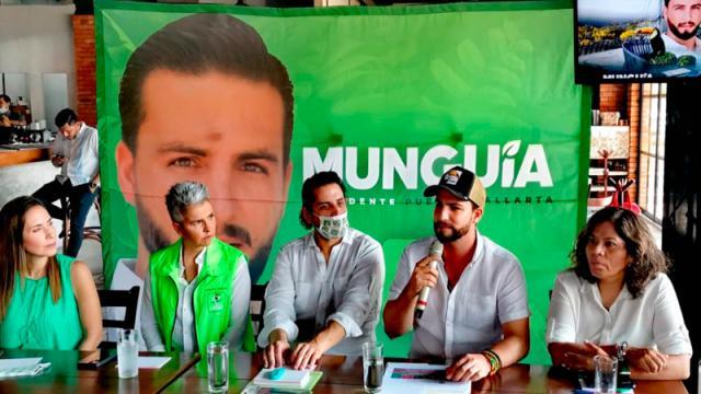 Ni aviadores, ni despilfarros promete Luis Munguía