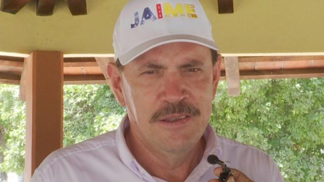 Jaime Cuevas recorre Higuera Blanca