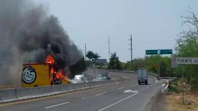 Fotos y videos de hasta 11 bloqueos en Tierra Caliente