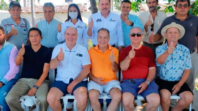 Se reúnen empresarios hoteleros de Bucerías con Jaime Cuevas