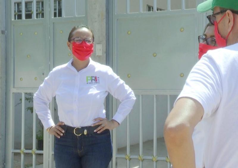 "Candidata del PRI va al debate ""sólo si va Lupita"""