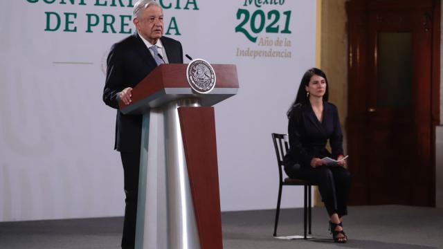 Conferencia de prensa en el Palacio Nacional