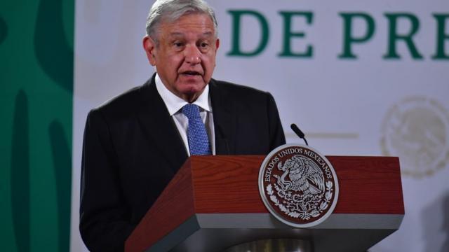 AMLO en conferencia de prensa hablando sobre caso Ayotzinapa