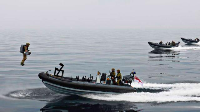 Armada de Reino Unido realizando pruebas