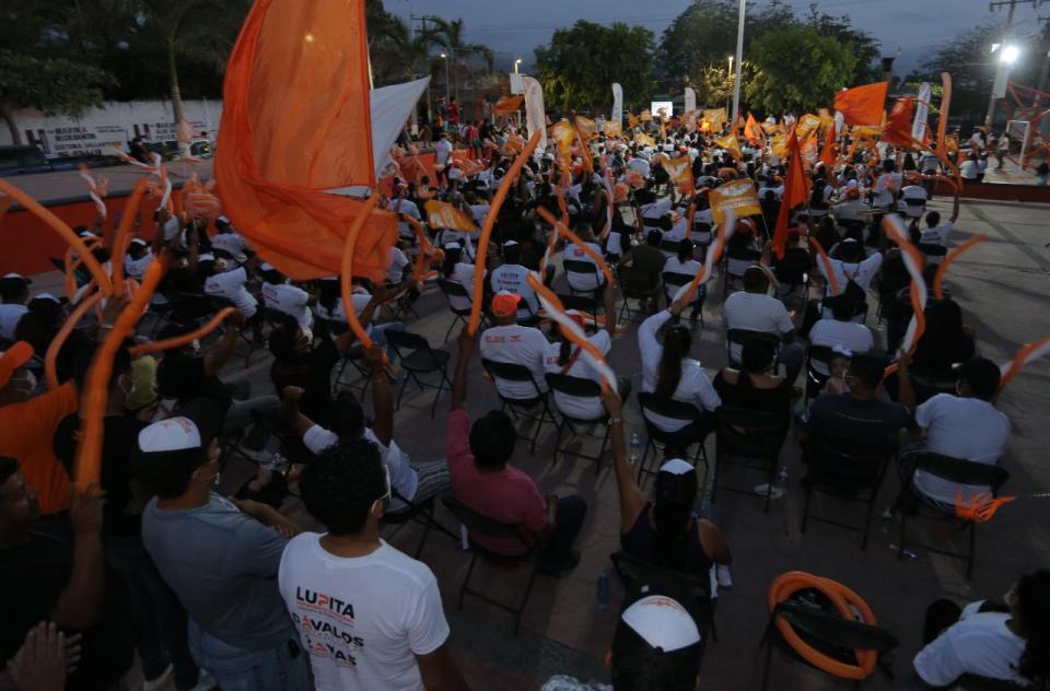Colonia Mojoneras en mitin de Movimiento Ciudadano