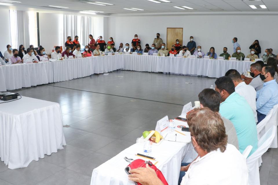 Instalarán 17 albergues en Puerto Vallarta por ciclones