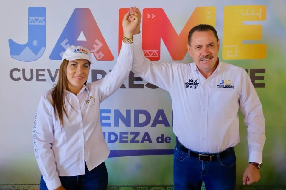 Declina Karina Polanco a favor de Jaime Cuevas