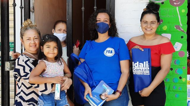 Idalia González recorre El Pitillal