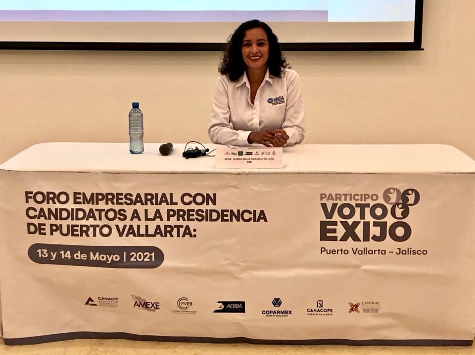 Idalia González se reúne con empresarios de Vallarta