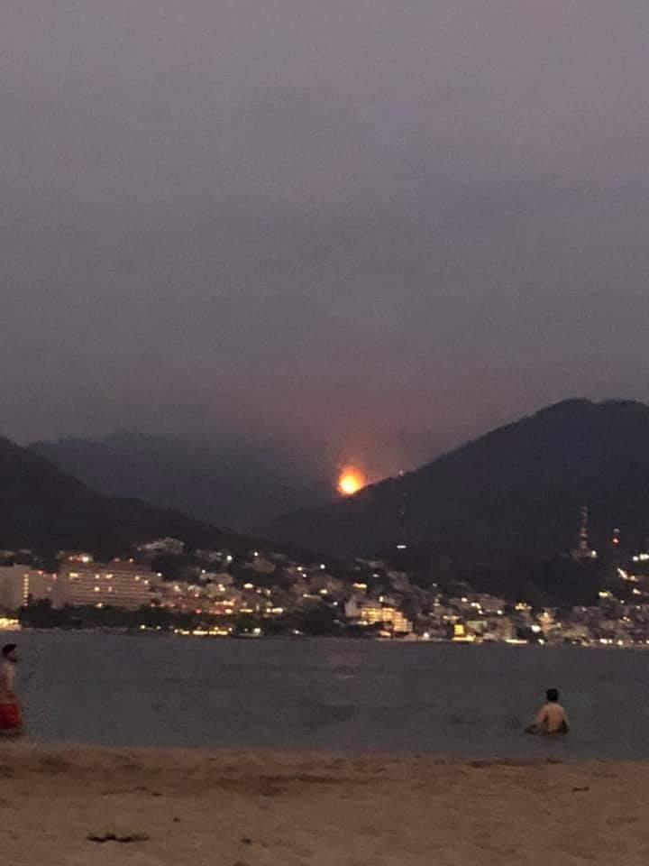 Inquieta incendio forestal en Los Almacenes; se expande